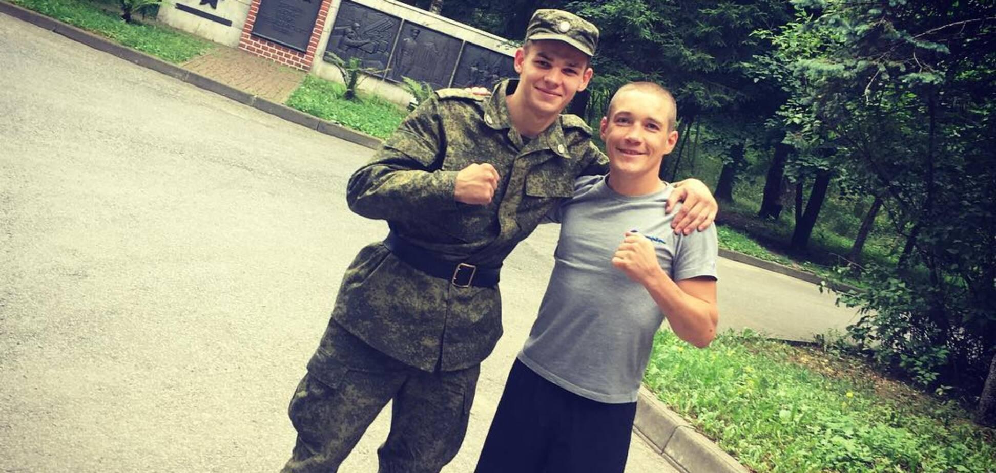 Знаменитый украинский боксер сделал фото с бойцом российской армии