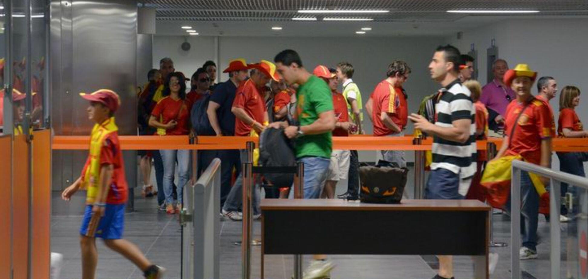 Виїзд за кордон без дозволу одного з батьків: у Мін'юсті пояснили, як це працює