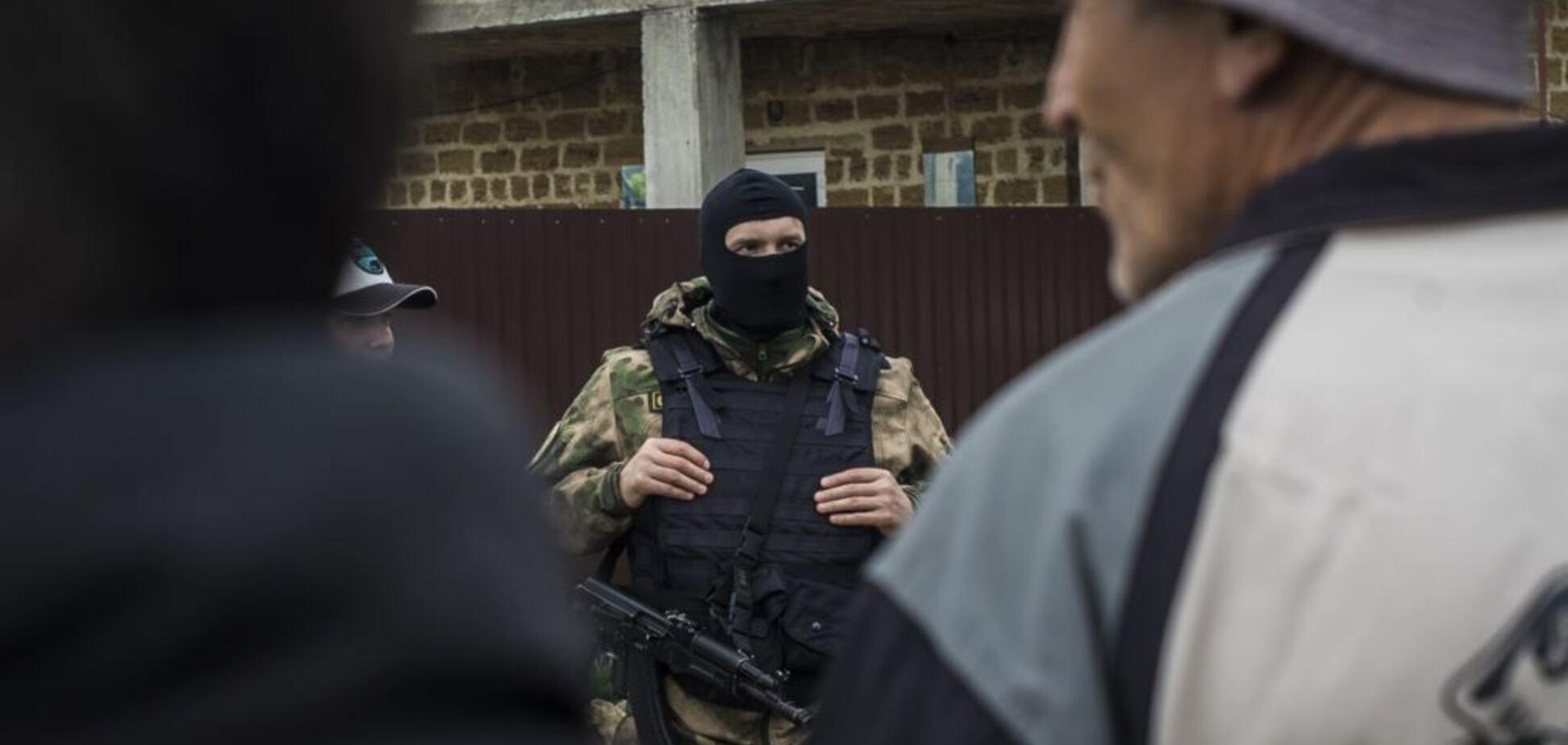 Спалили прапор РФ: у Криму окупанти почали 'пресувати' підлітків
