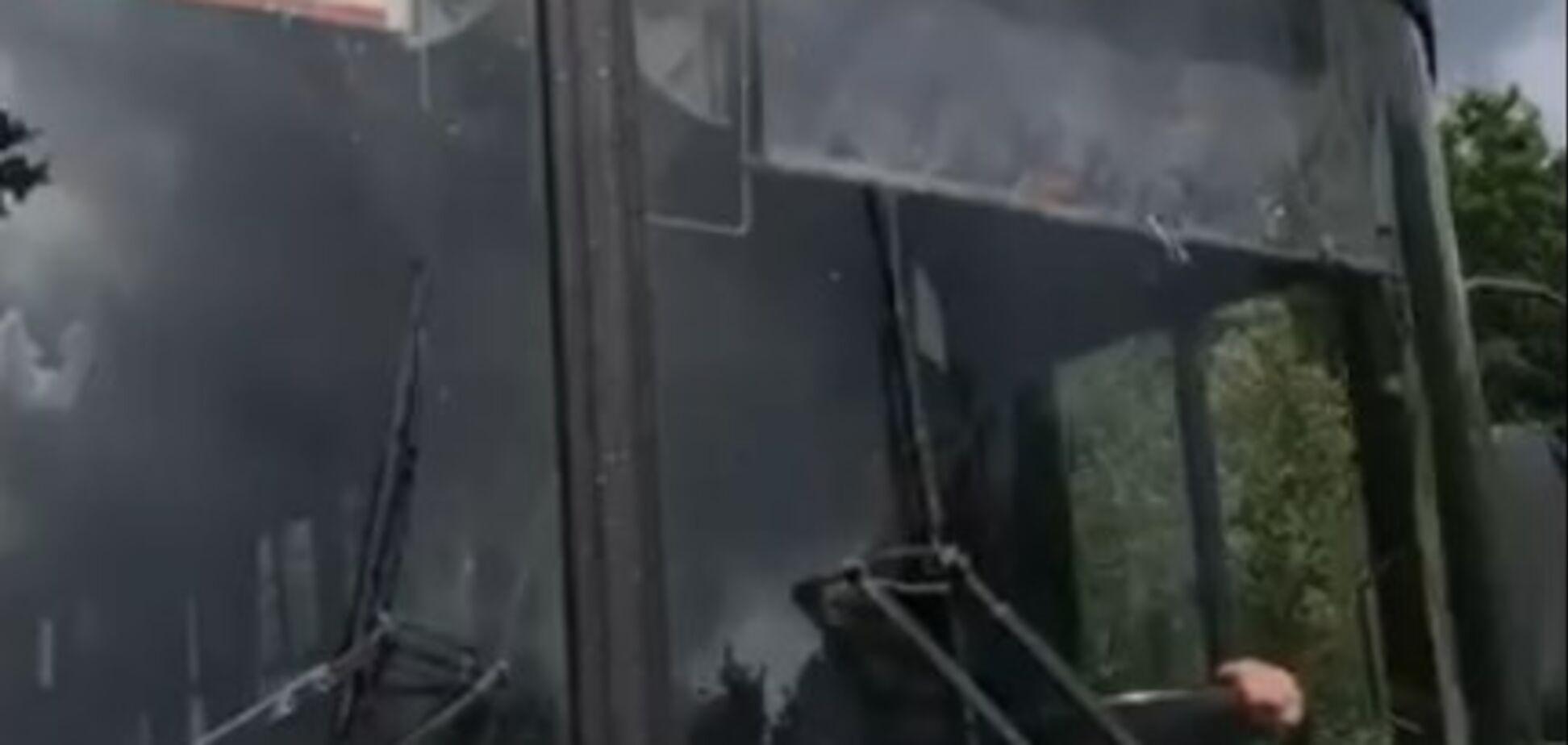 'Тыкал детям средний палец': в Ивано-Франковске скандал с водителем автобуса
