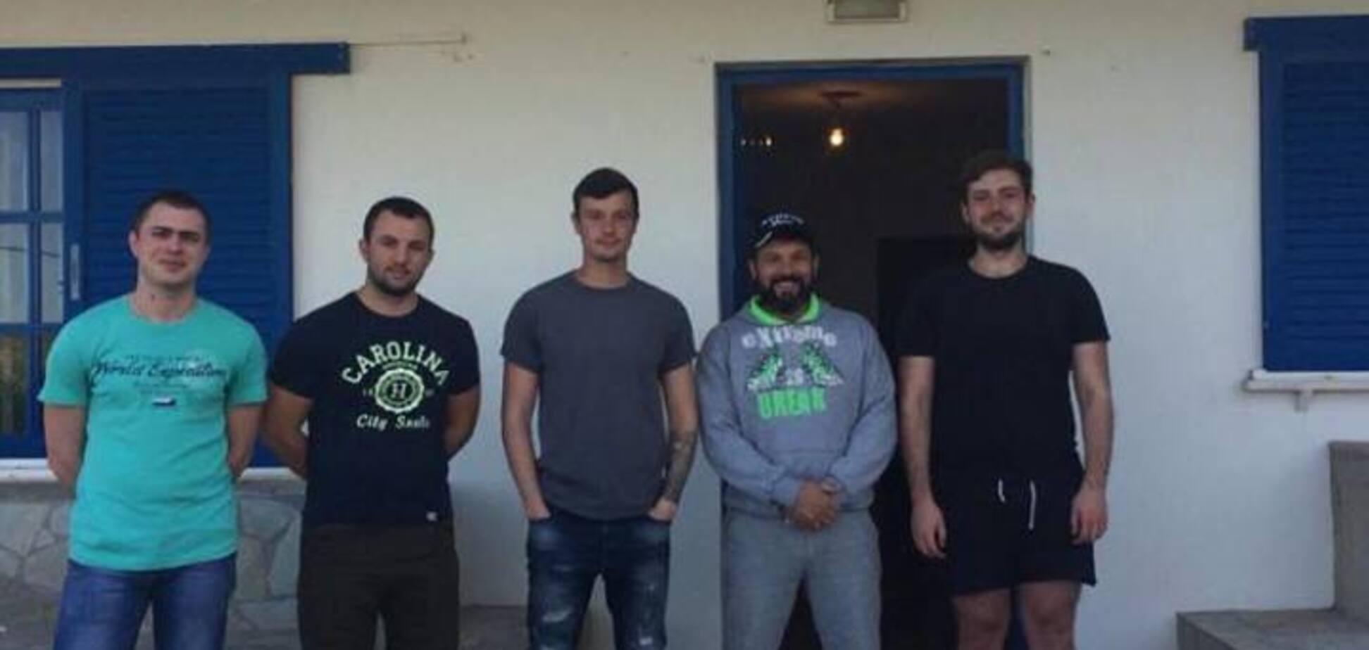 14 месяцев в неволе: в Украину из Греции вернули 12 моряков