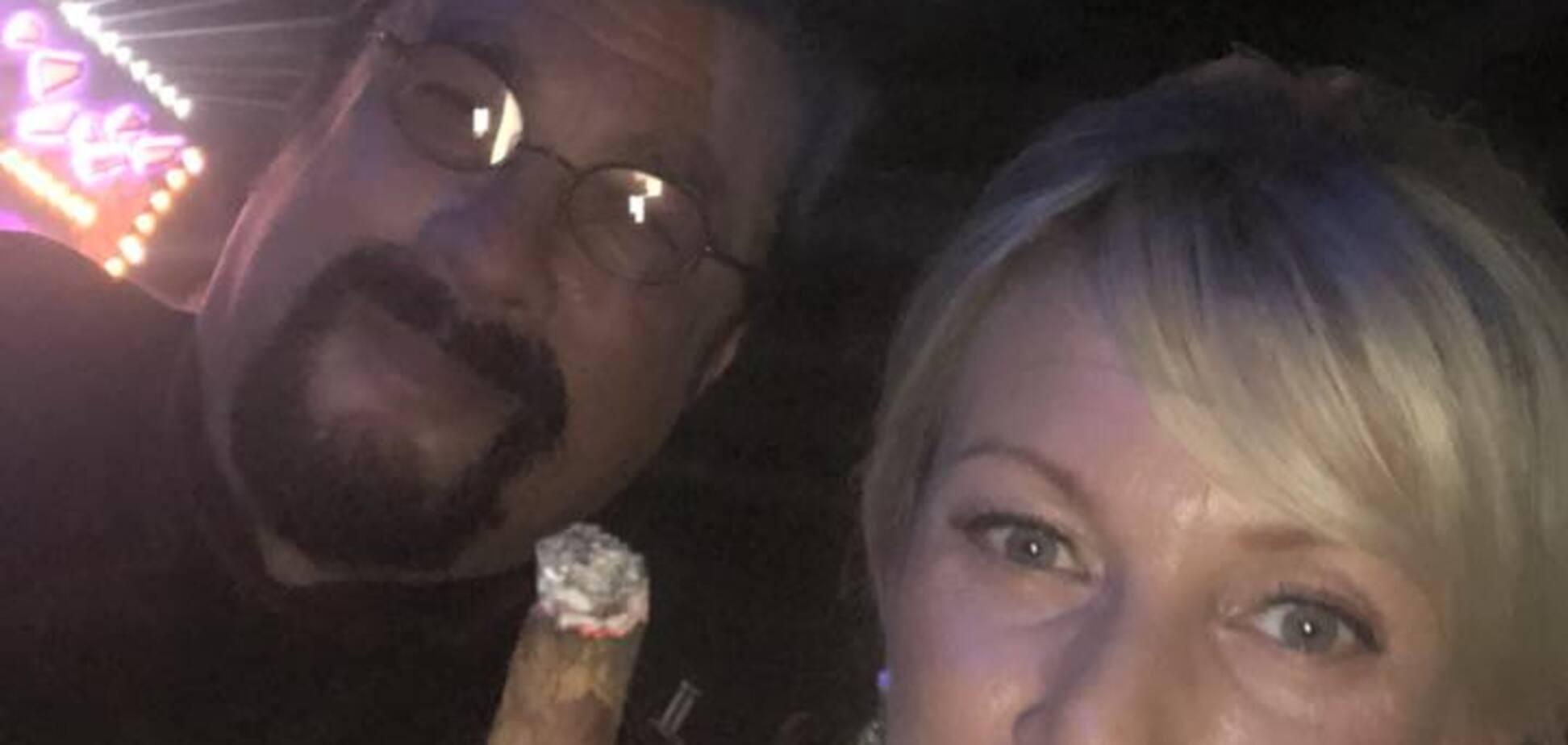 'Вирішила пихнути': Захарова покурила з голлівудським другом Путіна. Фотофакт