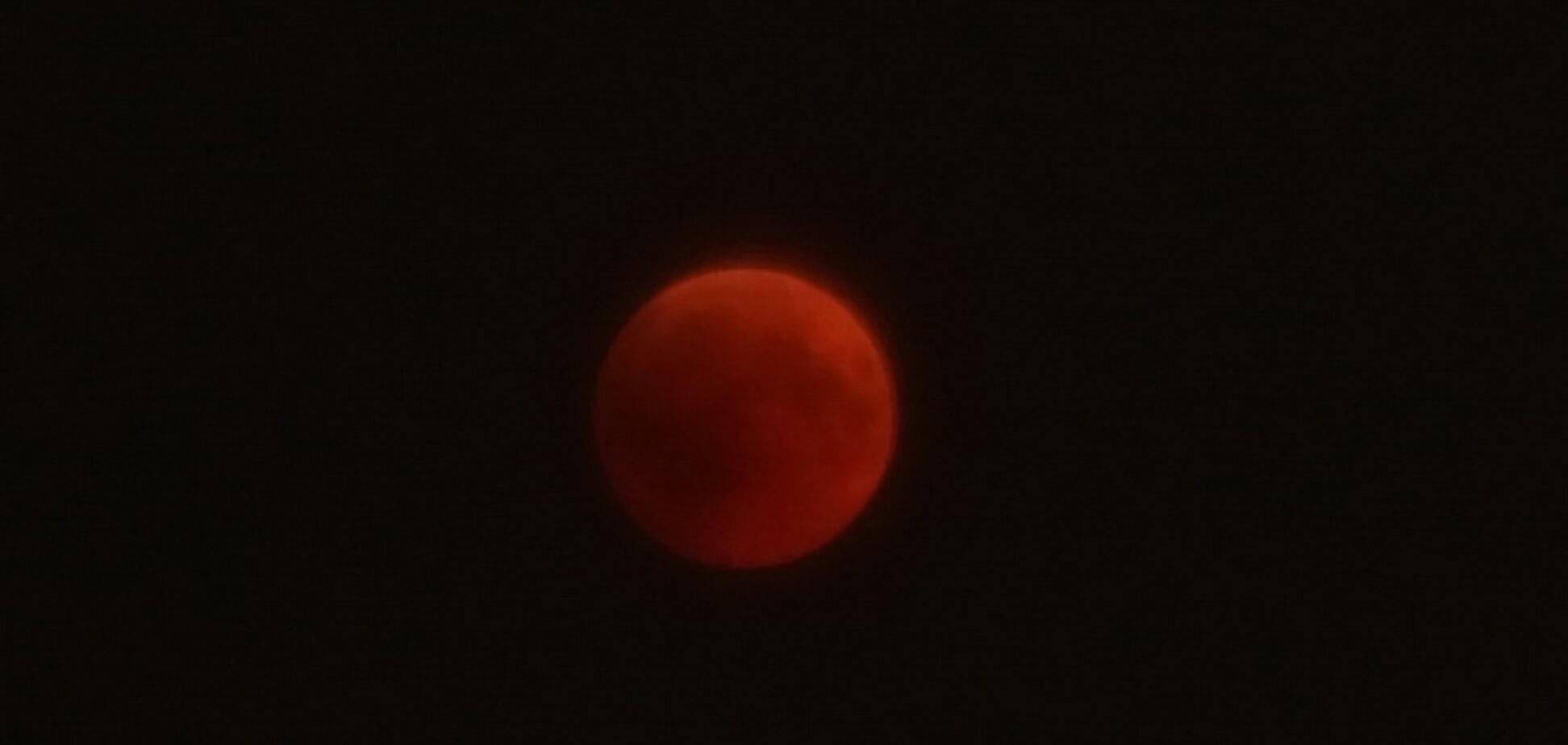 'Кривавий Місяць' над Одесою: фантастичні фото
