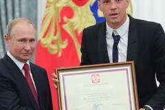 Скандальний коментатор з РФ жорстко затролив Путіна і Дзюбу