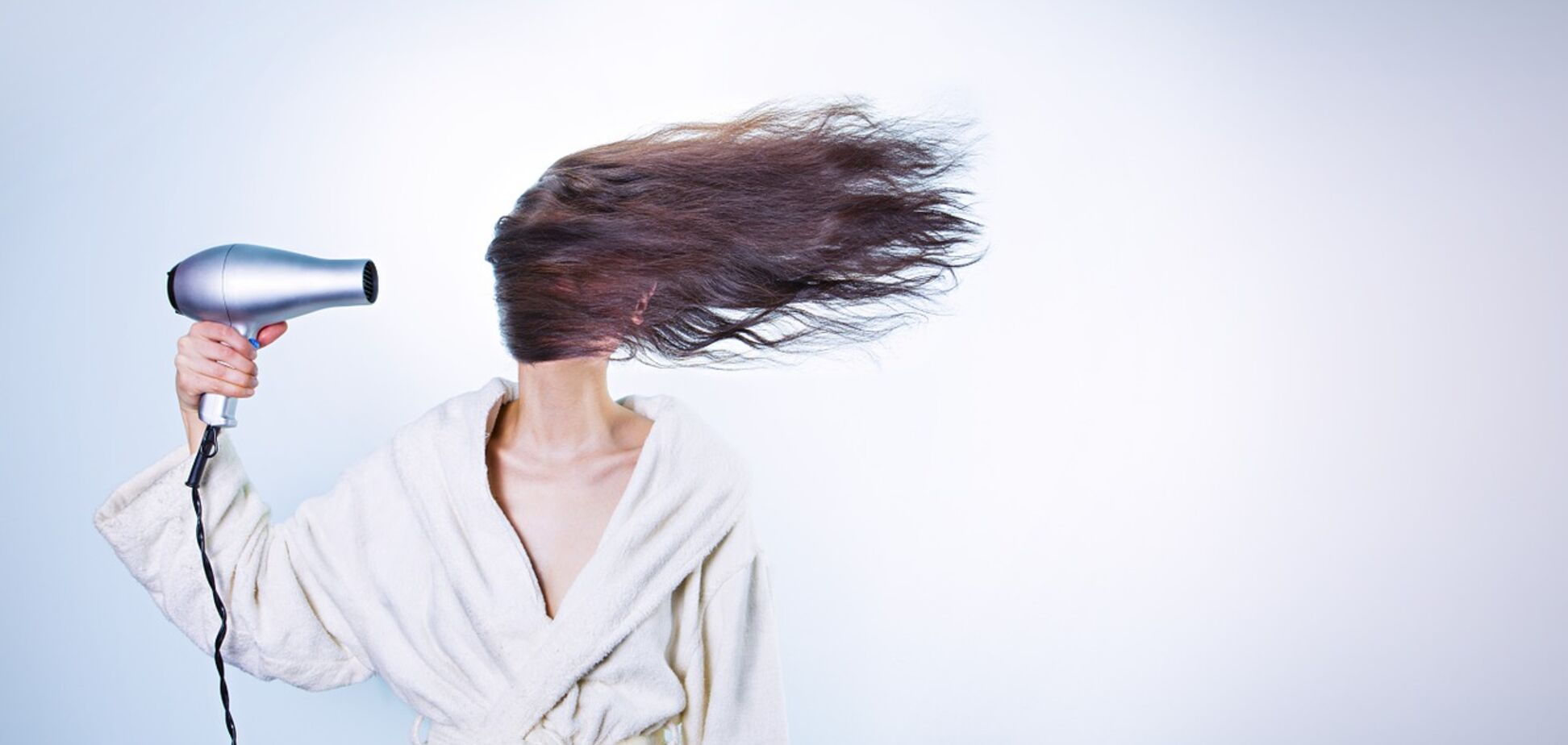 Топ-8 причин выпадения волос: как с этим бороться