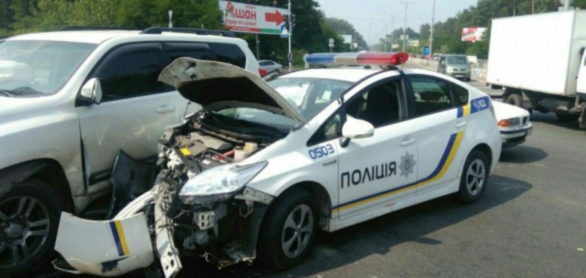 Кожне друге: патрульні Києва розповіли про масштаби ДТП зі своїми авто