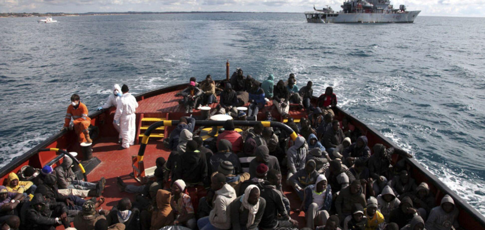 Судно з мігрантами