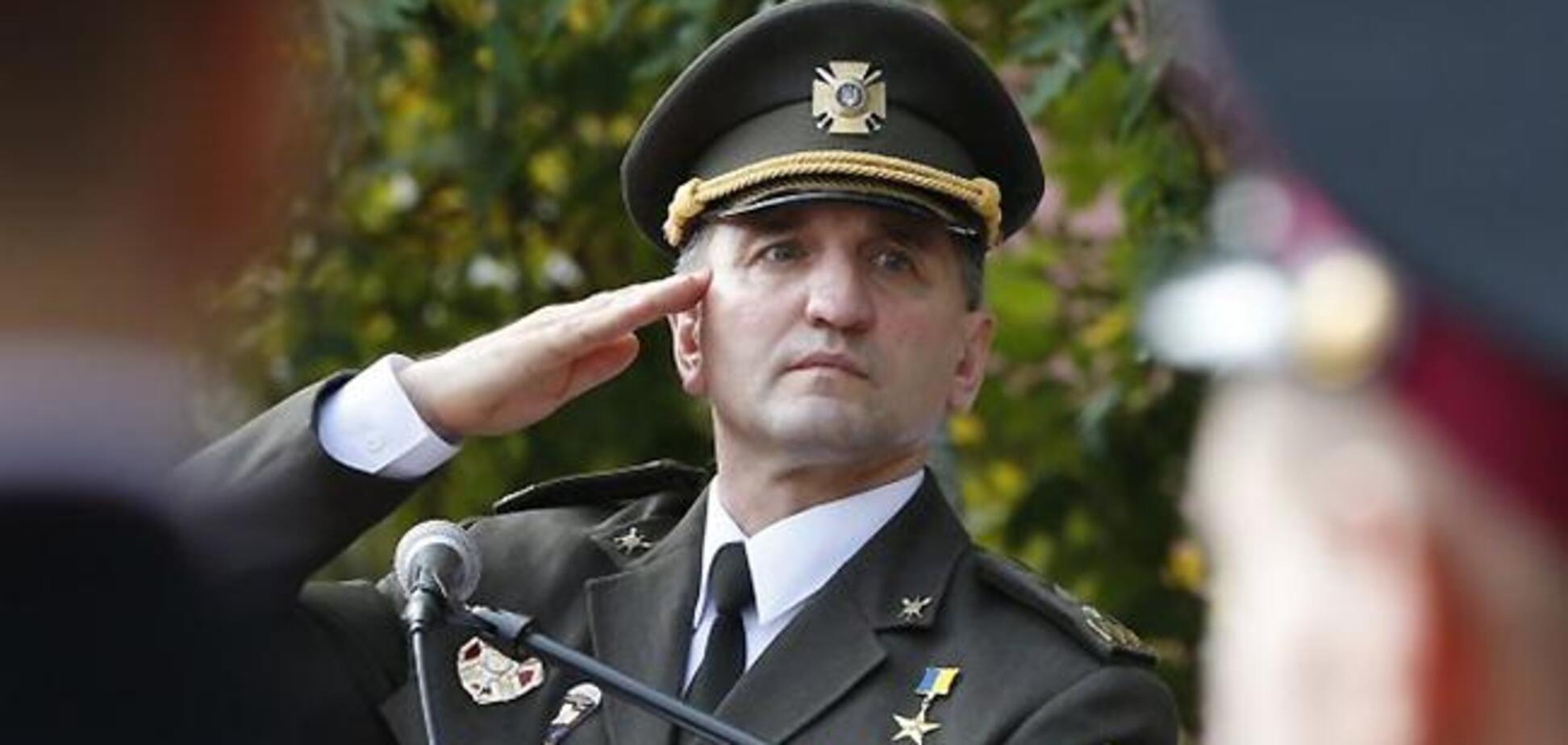 Было трогательно: в посольстве США стали на колени перед легендарным генералом ВСУ