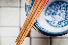 Философия и качество еды: почему в Японии и Китае все еще пользуются палочками