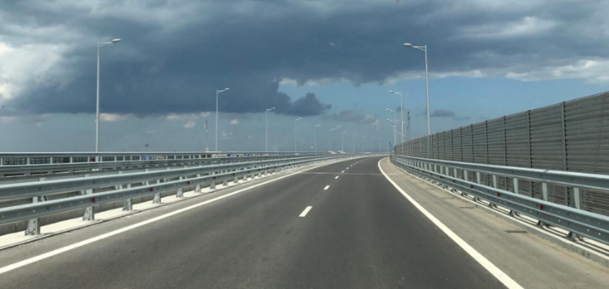 Кримський міст раптово спорожнів