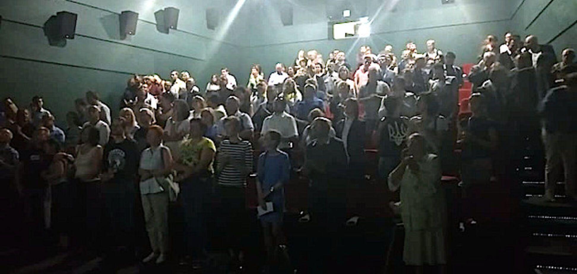 У Білорусі стоячи аплодували українським 'кіборгам'
