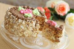 'Як його можна їсти?' У Roshen висловилися про знаменитий 'Київський торт'