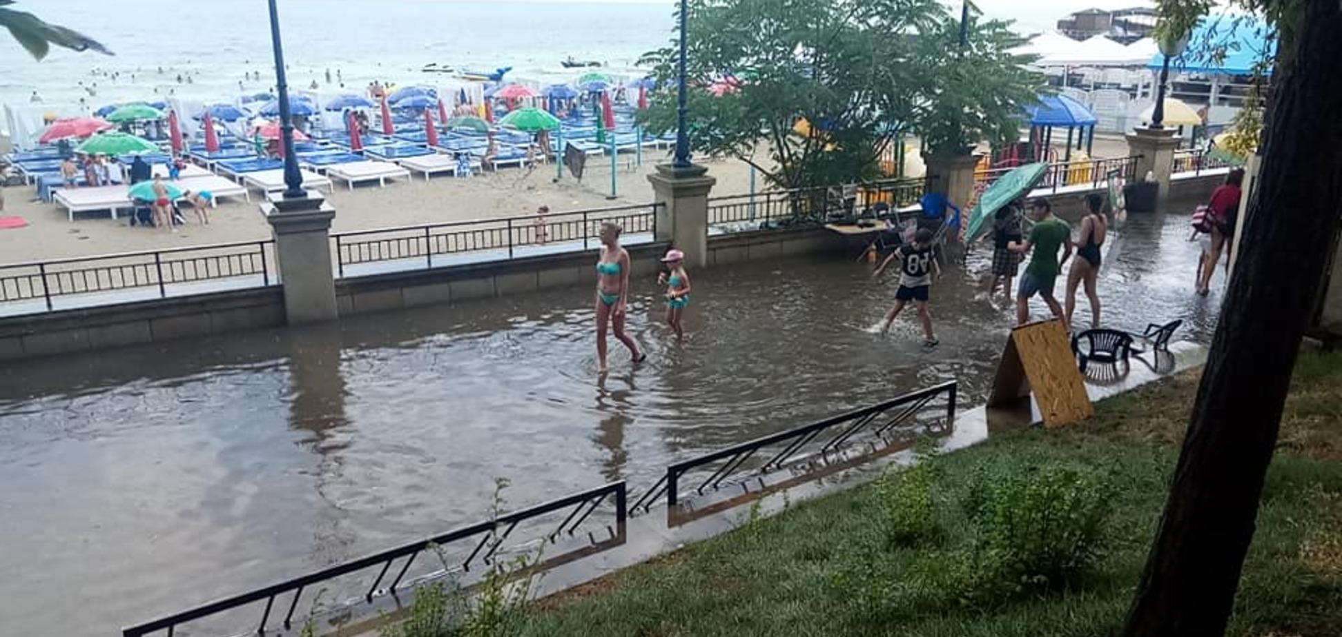 'Это фейк?' В Одессе поссорились из-за затопленной набережной