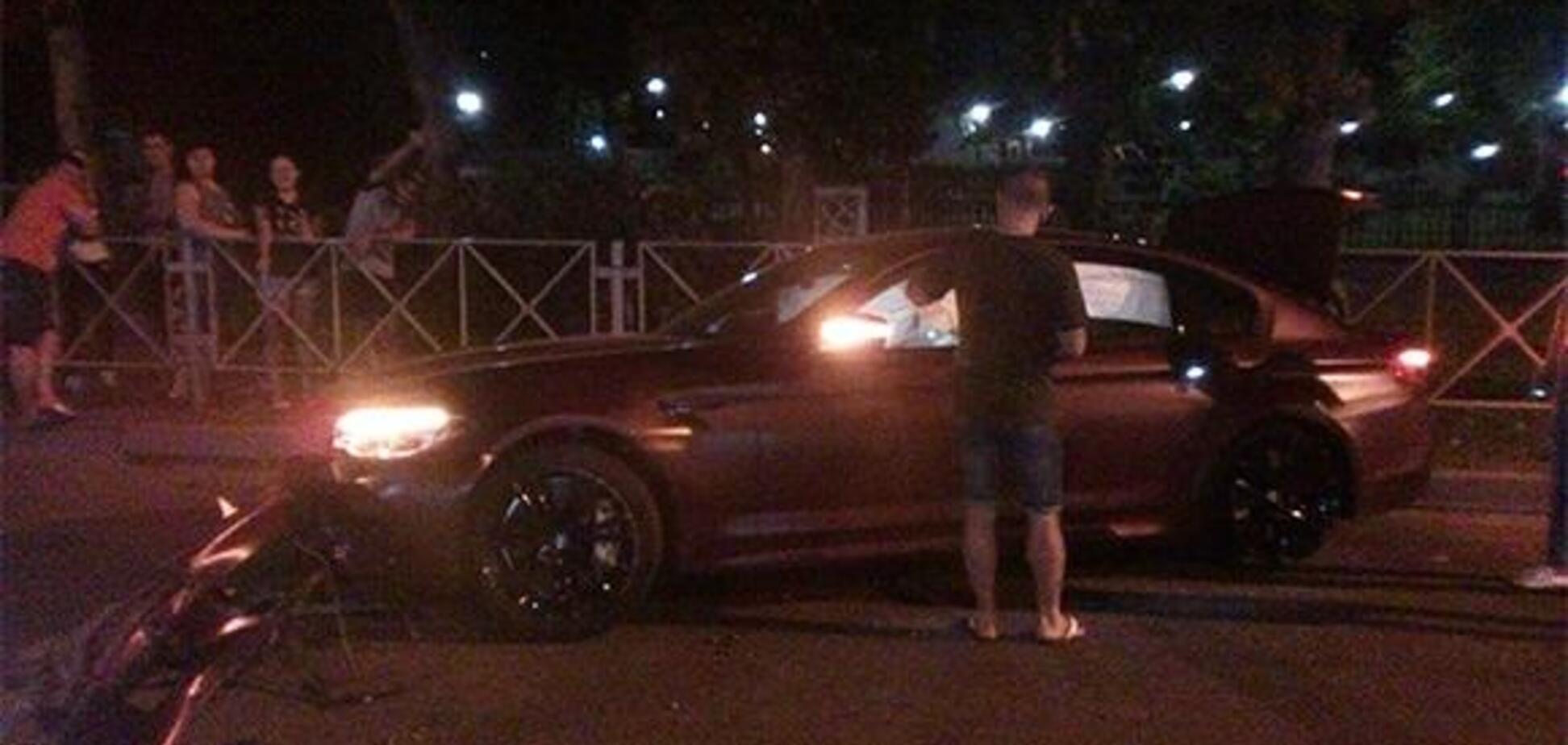 Лучший футболист России разбил авто за 9 млн: фотофакт