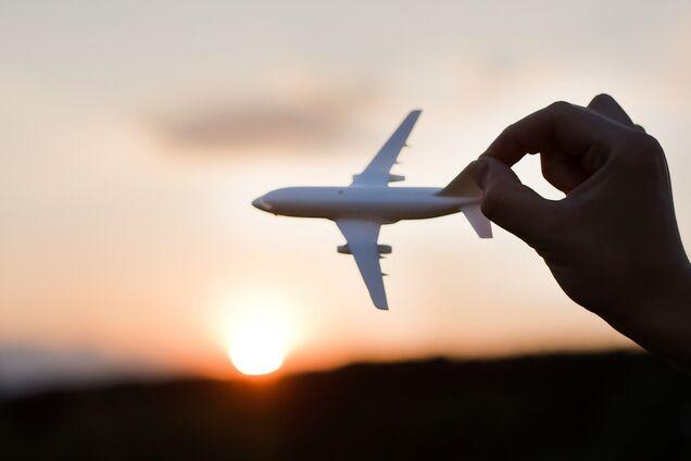 Для кримчан: Омелян пообіцяв дешеві авіаквитки у новому місті