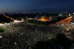 Бухарест охватили массовые акции протеста: более 400 пострадавших. Фото и видео