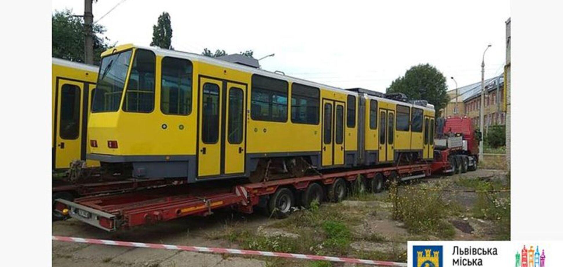 А дверь-то не открывается: во Львове чиновники оскандалились с закупкой трамваев