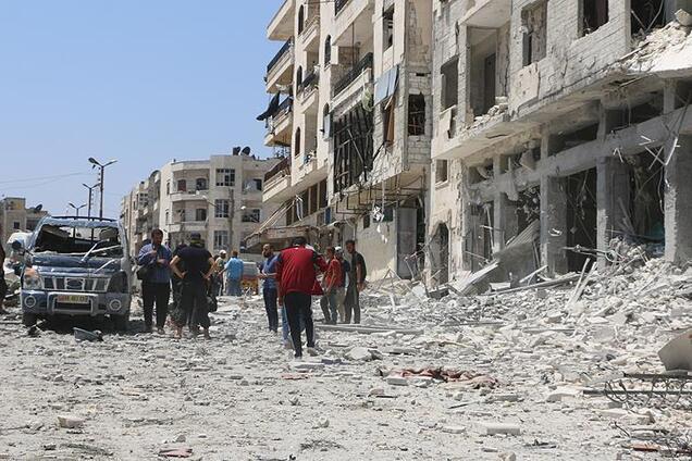 У Сирії прогриміла хвиля потужних вибухів: десятки загиблих