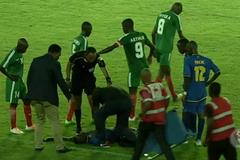 Дичь дня: африканский футболист остановил соперника жутким ударом