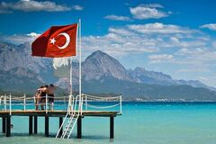 Лира обвалилась: эксперты пояснили, как изменятся цены на отдых в Турции
