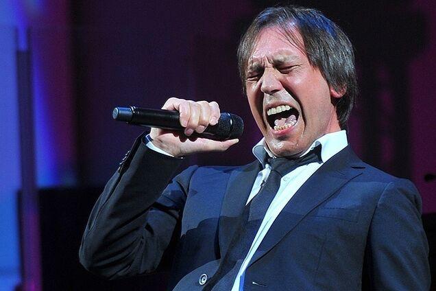 Известный певец в России тяжело болен: появились новые подробности