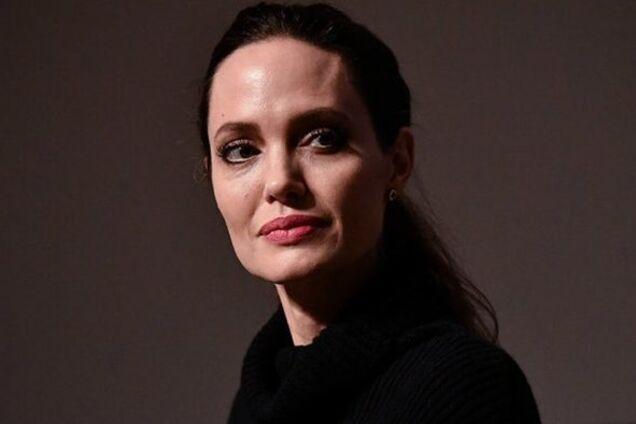 Уже выписали? Анджелину Джоли засекли в городе после слухов о дурдоме