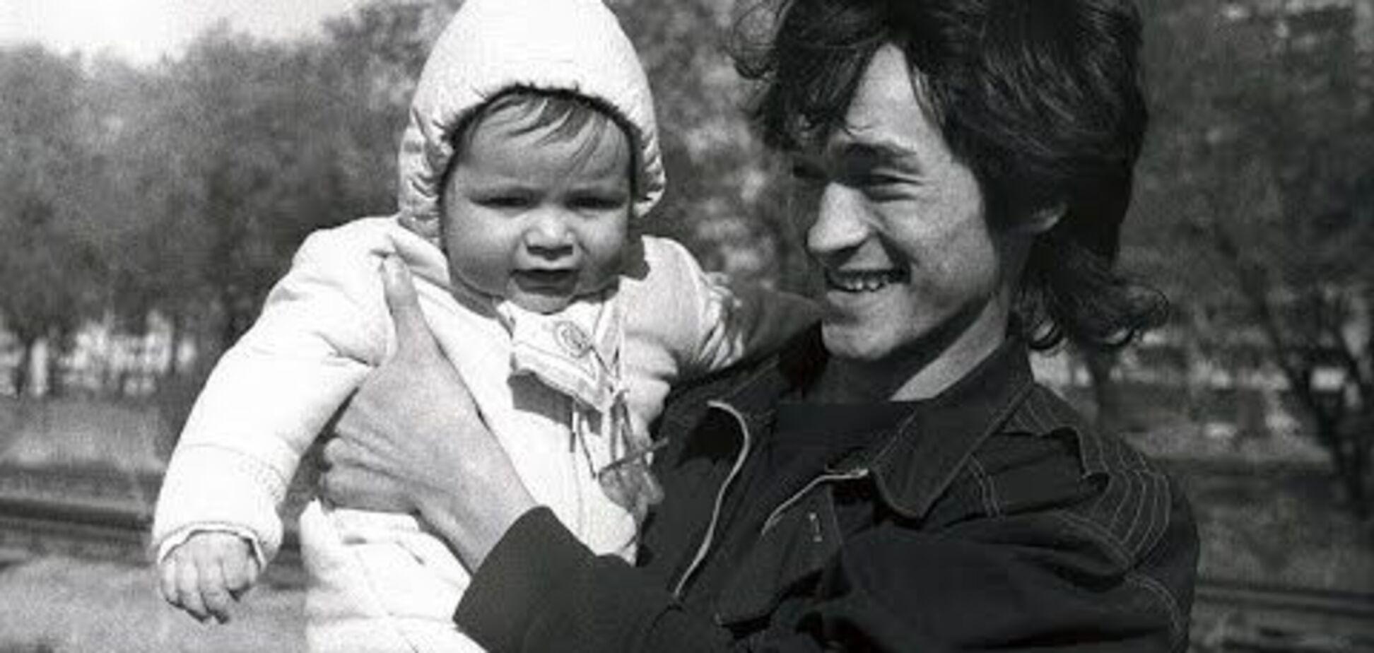 День загибелі Цоя: як через 28 років живе син рок-легенди