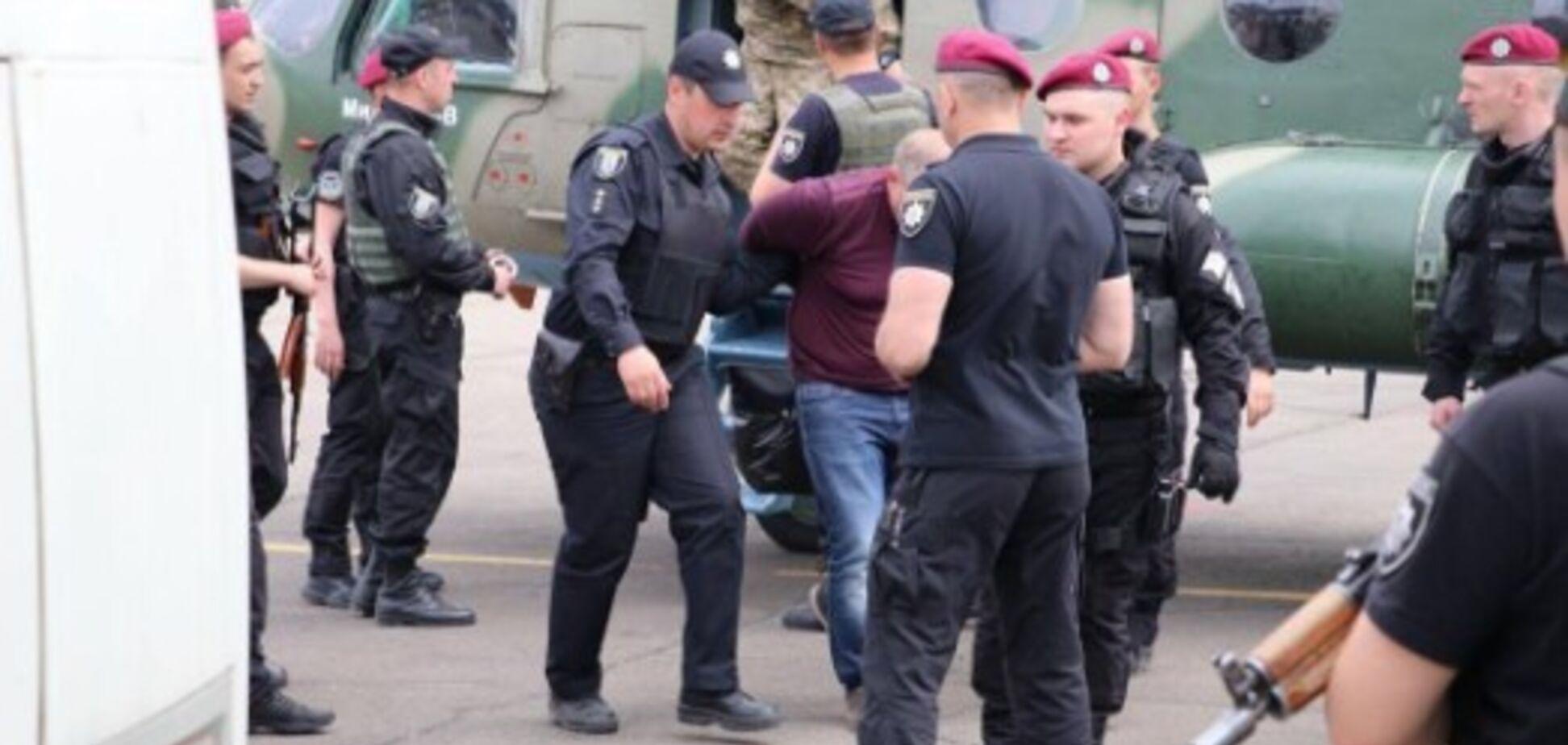Затримували з вертольотами: фігурантів гучної справи соратника Януковича відпустили на волю