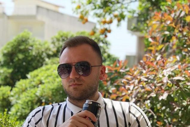 """Другие отказались? Что известно о певце, едущем на """"Новую волну"""" от Украины"""