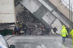 Крушение моста в Генуе: под завалами еще ищут десятки людей