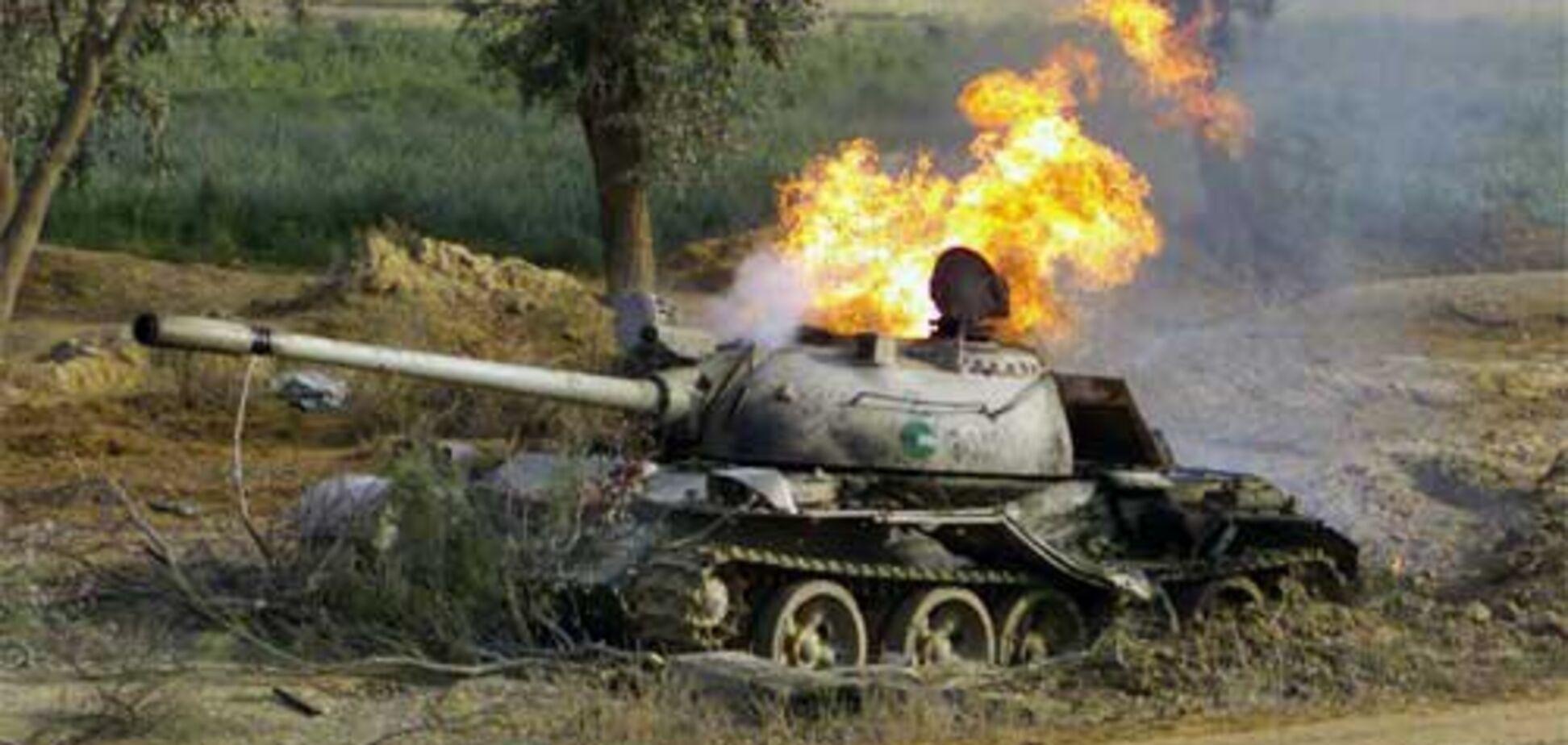 'Третя сила приклалася': на Донбасі підстрелили танк терористів