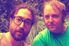Леннон і Маккартні знову разом: сини легенд The Beatles наробили галасу яскравим фото