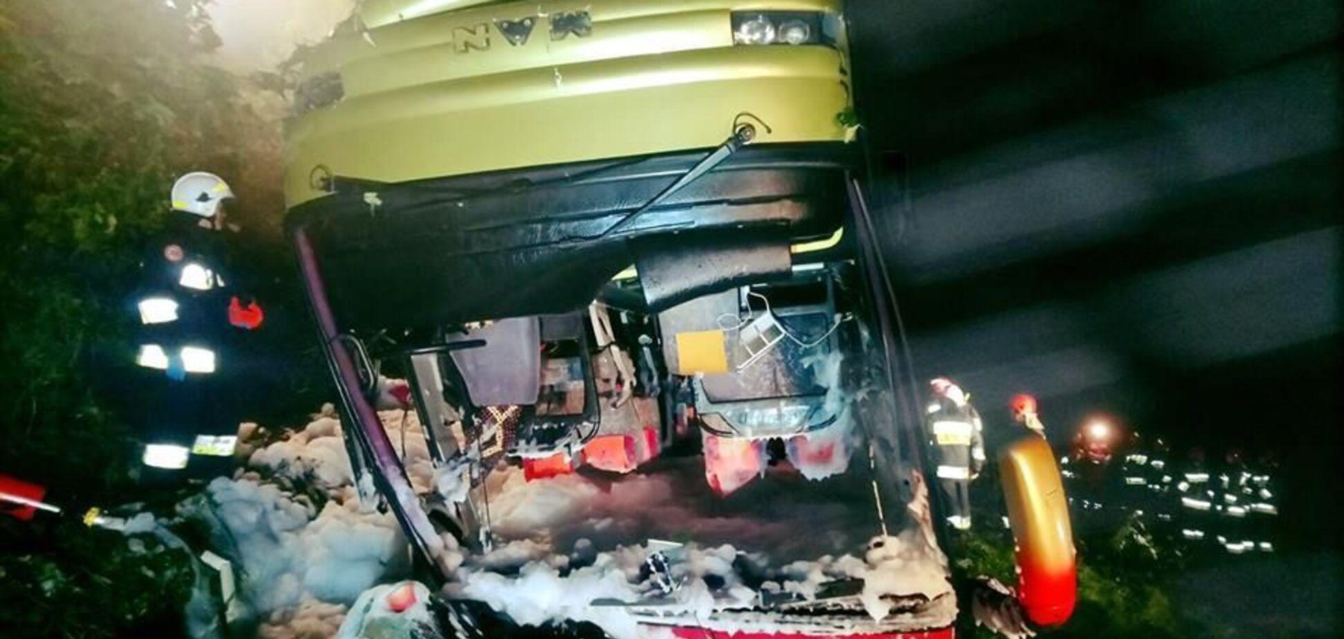 В Польше рухнул со склона автобус с украинцами: есть жертвы, десятки пострадавших