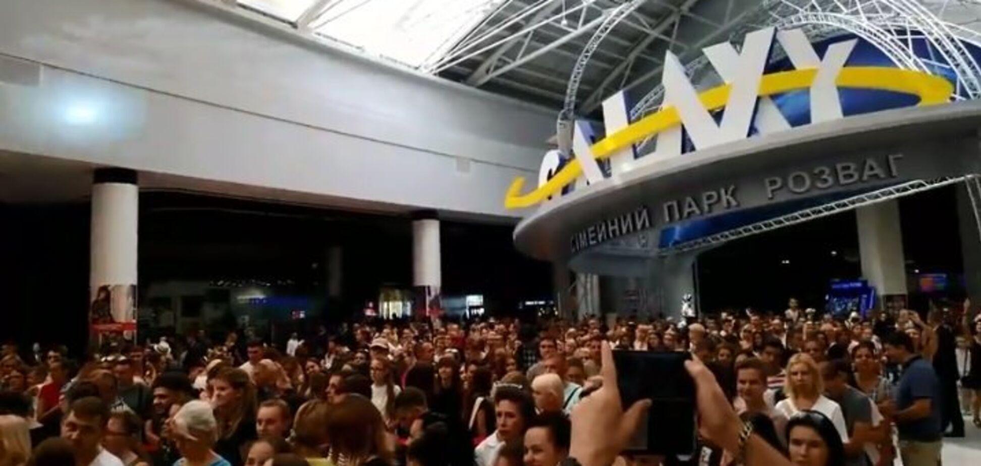 Українські фанати H&M влаштували тисняву