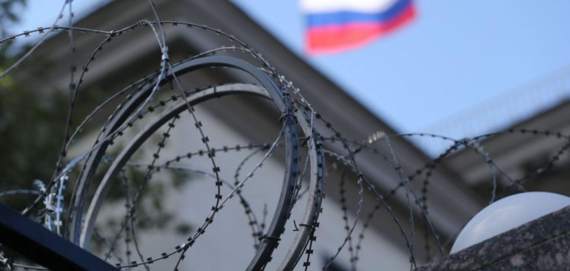Как санкции вредят россиянам