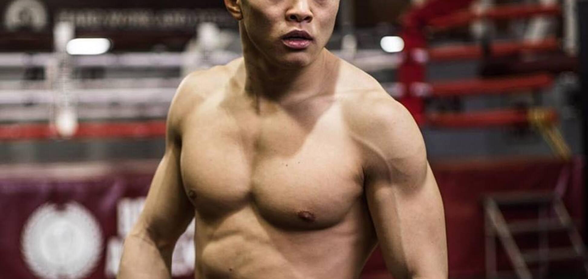 Непереможний український боксер здобув перемогу у Москві, викинувши суперника з рингу