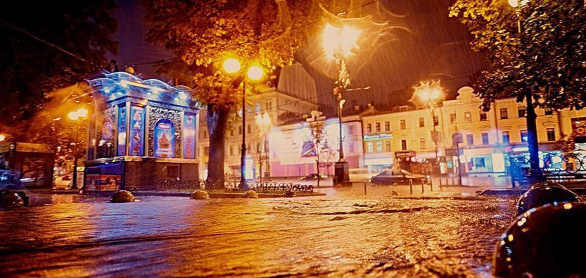 'Топило всегда!' В сети показали исторические фото 'поплывшего' Киева