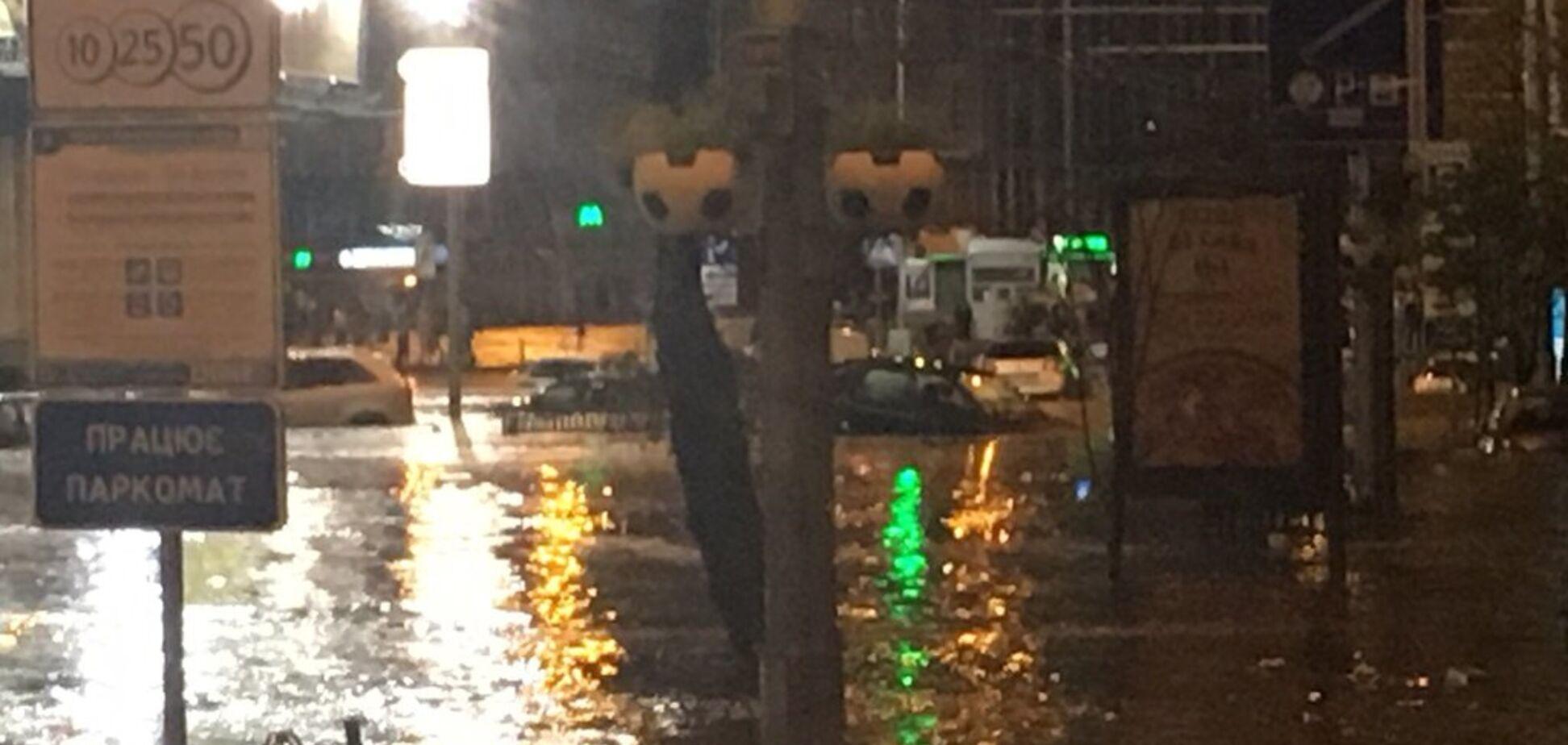Киев вновь ушел под воду: фото и видео погодного 'армагеддона'