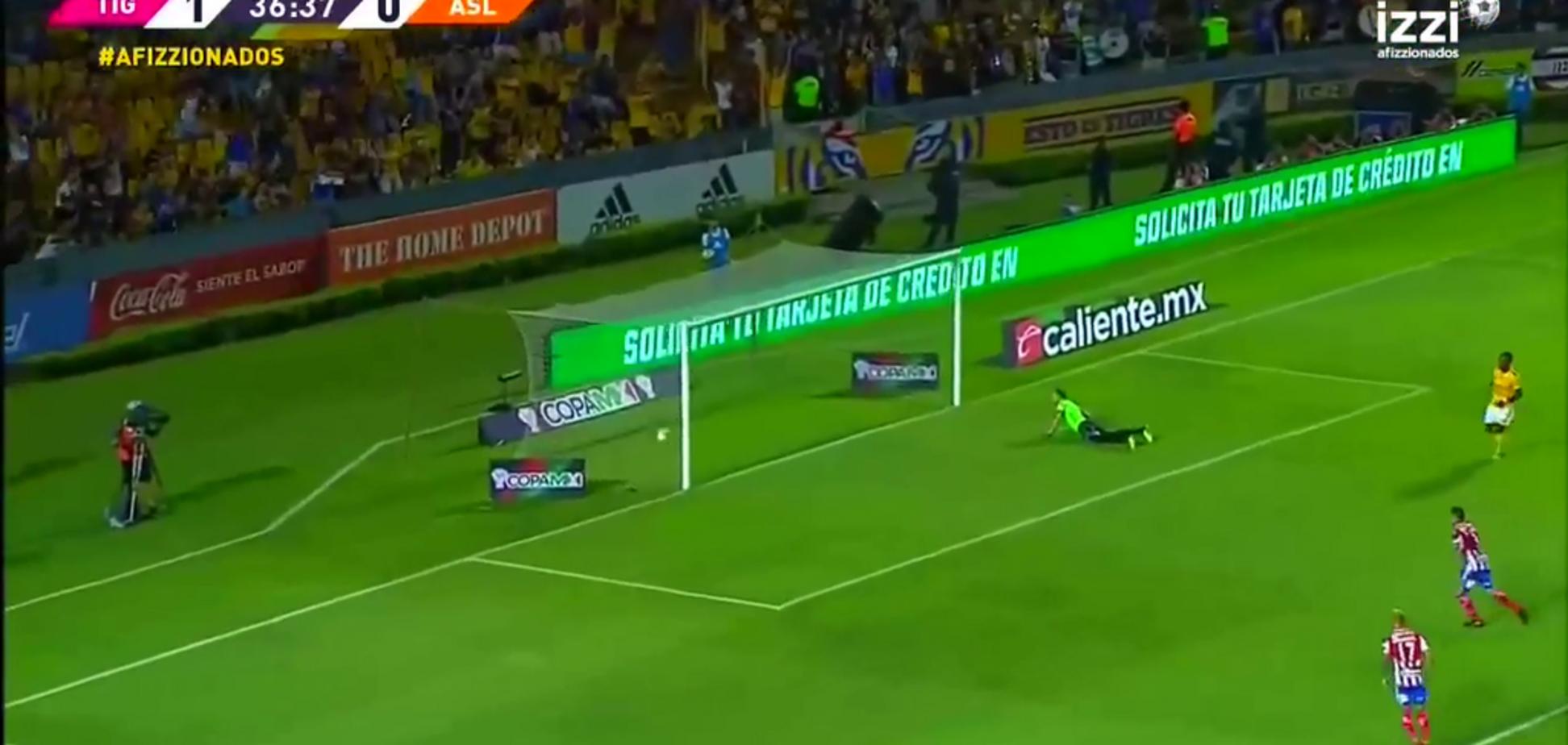 Мексиканський футболіст забив фантастичний гол 'гарматою'
