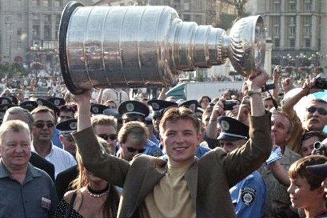 С украинским следом: история главного трофея мирового хоккея