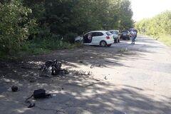 Вез Нелю Штепу и Ирму Крат: водителя скандальных украинок столкнули грузовиком с трассы. Фоторепортаж с места ДТП