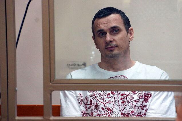 Сенцов голодает 100 дней: как менялась внешность узника Кремля