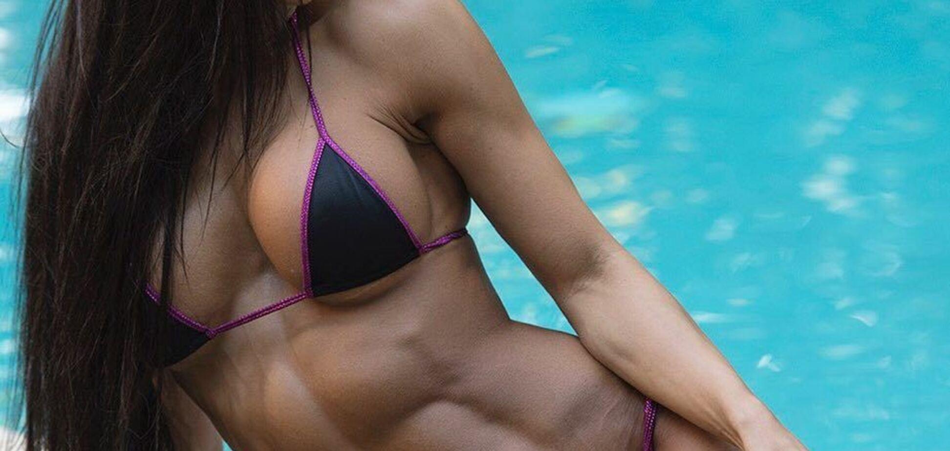 Знаменита фітнес-модель знялася оголеною, викликавши захоплення ідеальним тілом