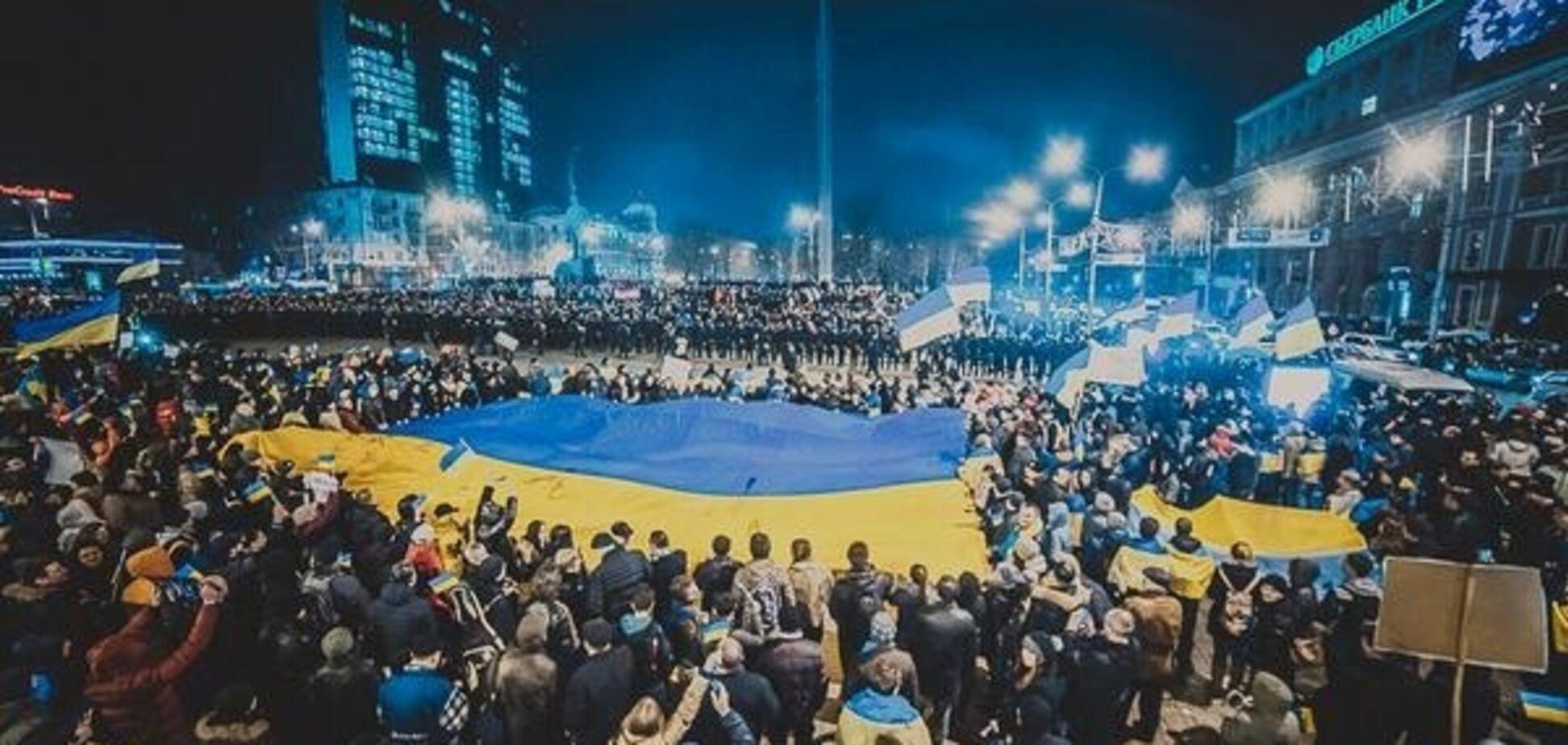 'Из города вытекала кровь': дончанка поделилась пронзительной историей о флаге Украины