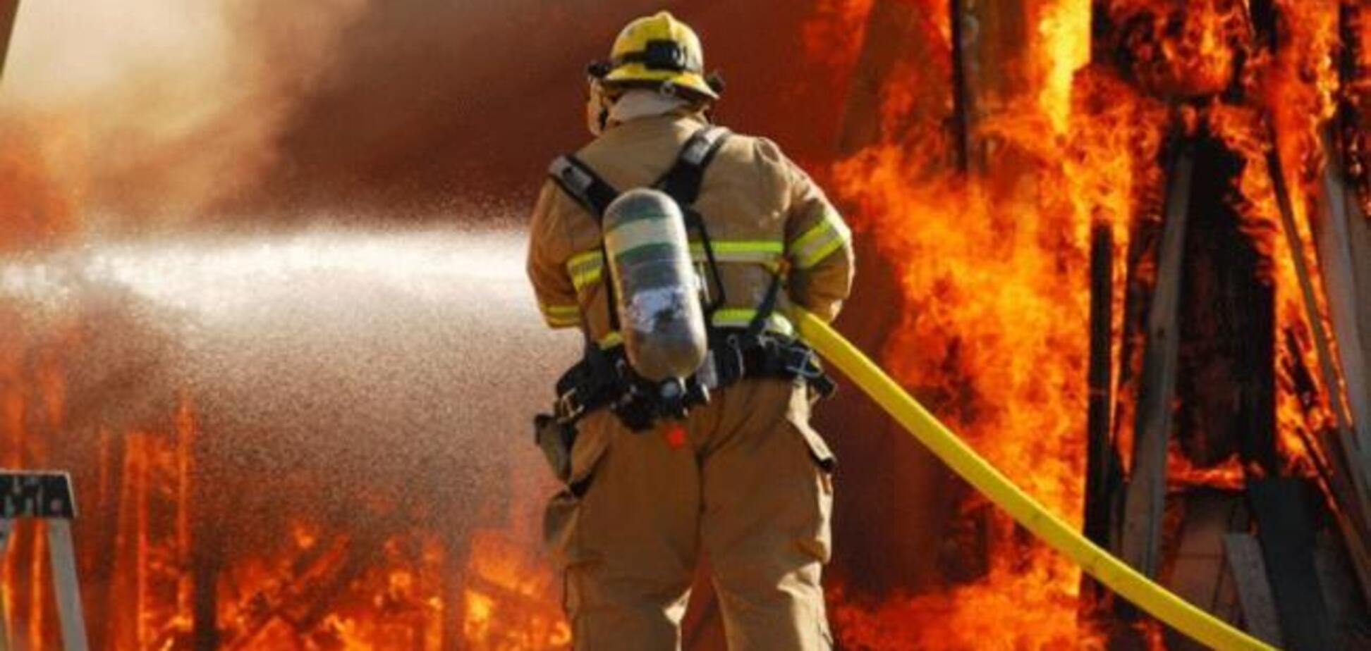 Во Львове бушевал масштабный пожар: фото и видео