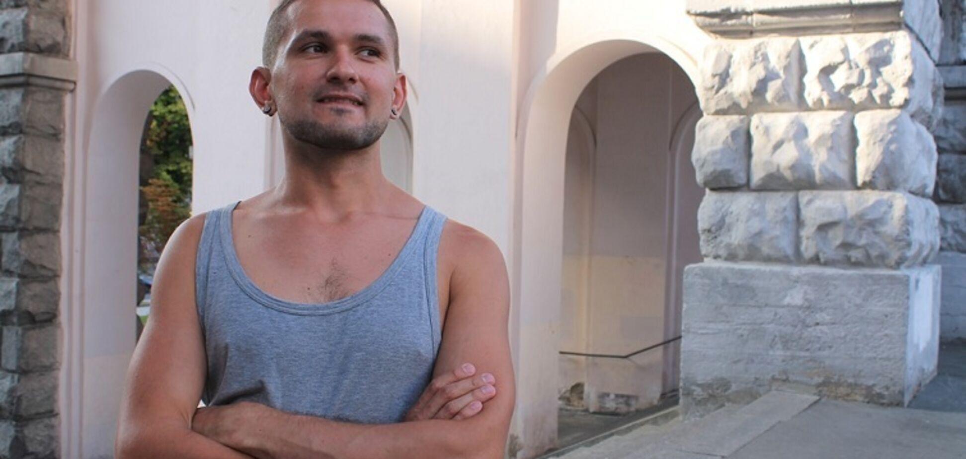 'Приходилось с проститутками': ветеран-ЛГБТ рассказал, как скрывал ориентацию в АТО