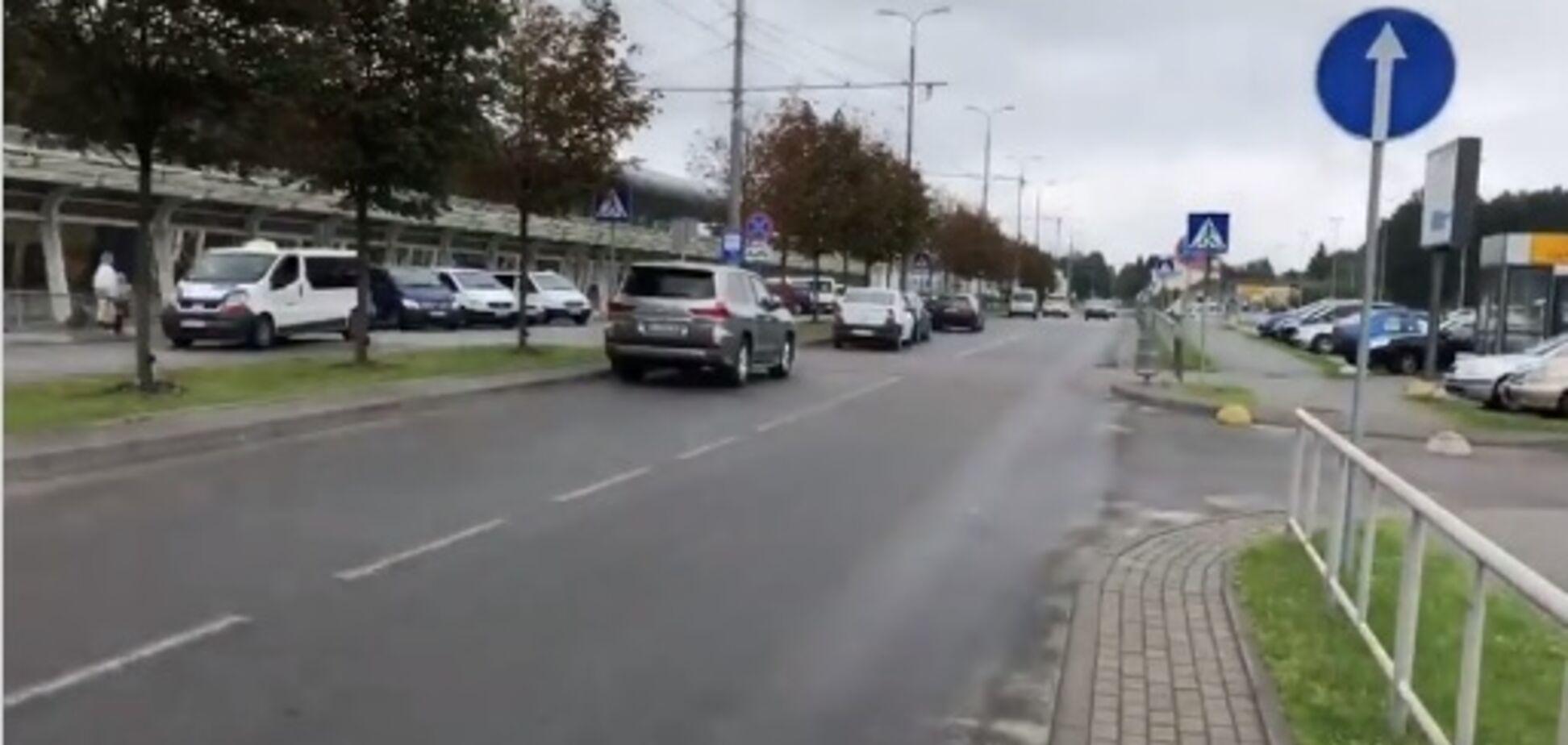 'Платить - дело лоха': видео с 'героями парковки' во Львове разозлило украинцев