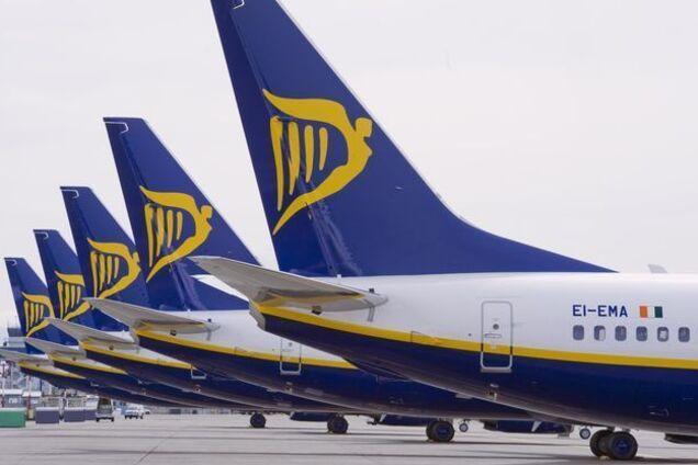 Популярный лоукостер отменил 150 рейсов: стала известна причина