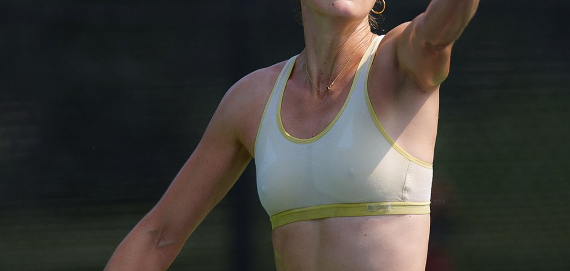 Знаменита тенісистка роздяглася під час матчу й отримала штраф
