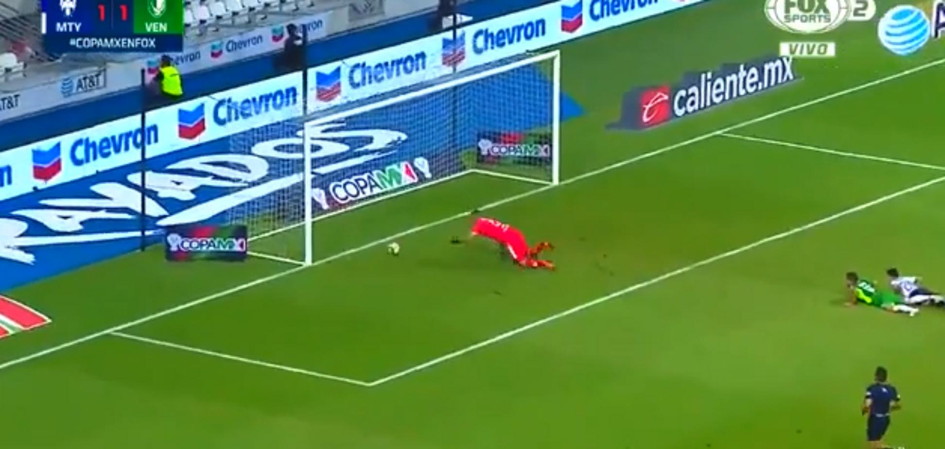 Мексиканські футболісти перетворили гол у 'Шоу Бенні Хілла'